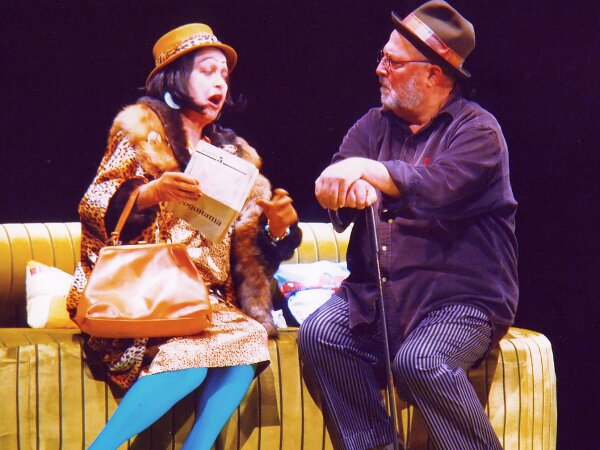 http://blagoevgradtheater.eu/images/_Snimki_ot_Teatyra/D-r_2.jpg